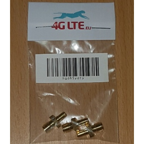 A SET of 3 x SMA Female to TS-9 Male connector