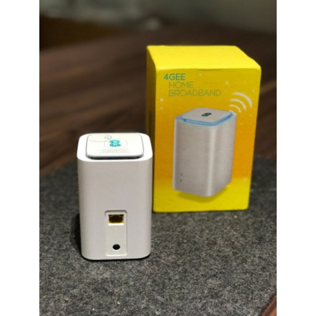Huawei E5180s-22 4G LTE 150Mbps Router Cube - Weiß